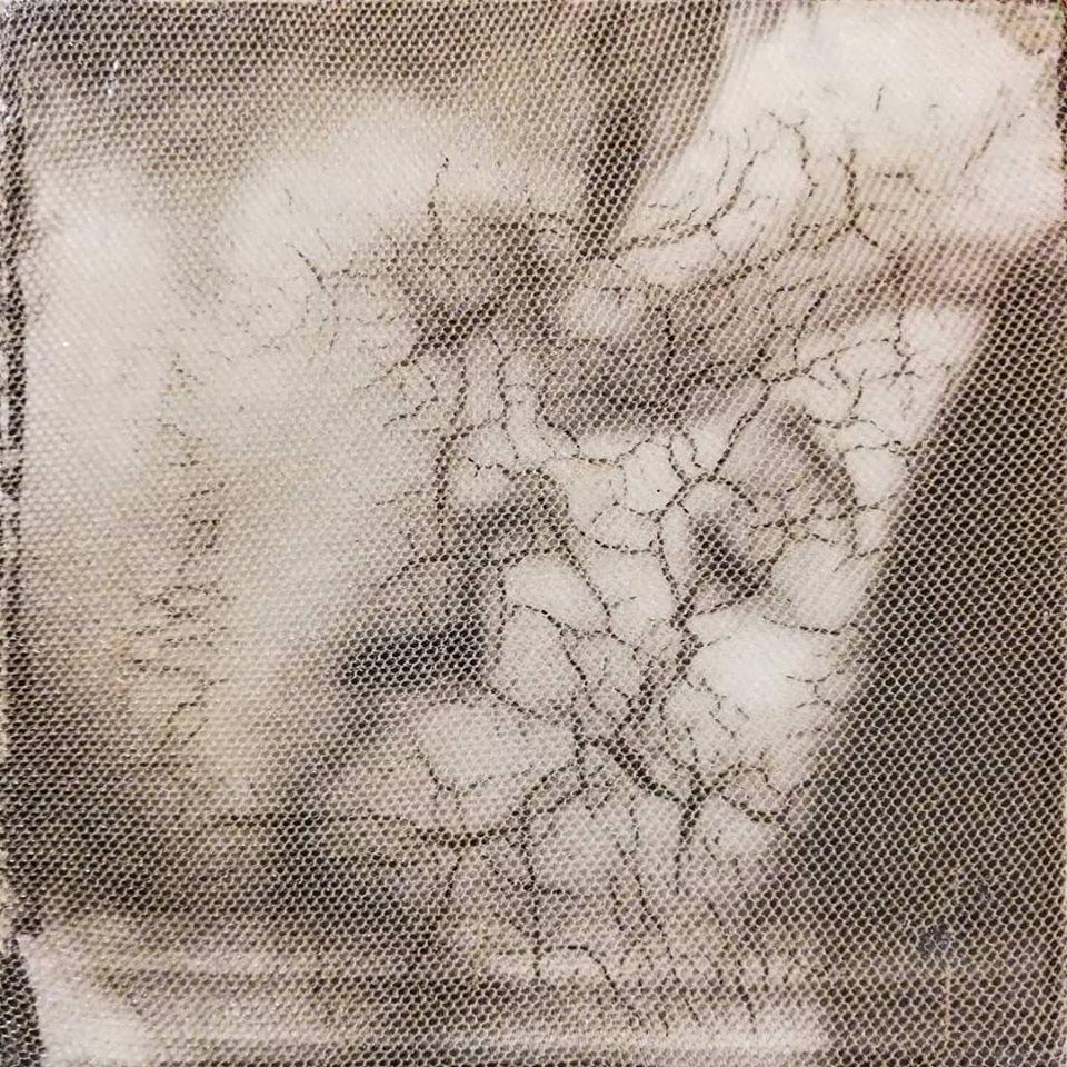 """""""vola 1"""", acryl, papier, gewebe, kunstharz auf leinwand, 10 x 10 x 4 cm"""