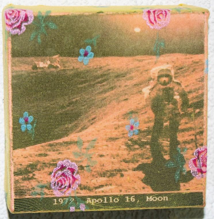 """""""moon"""" - mischtechnik auf leinwand - 10 x 10 x 4 cm"""