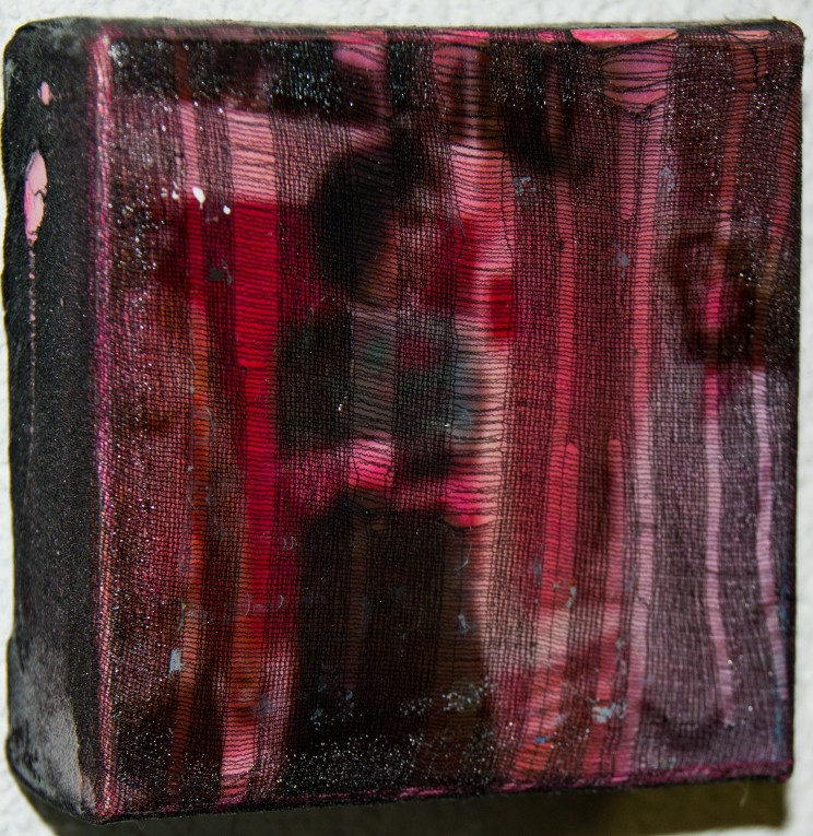 """frank's mansion"" - acry, gewebe auf leinwand - 10 x 10 x 4 cm"