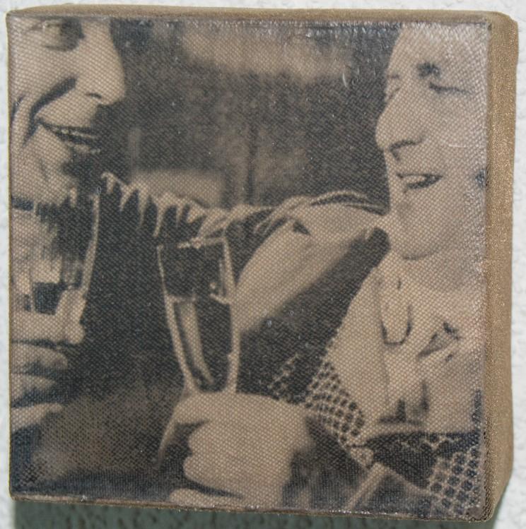 """hans / theo"" - acryl, papier, gewebe auf leinwand - 10 x 10 x 4 cm"