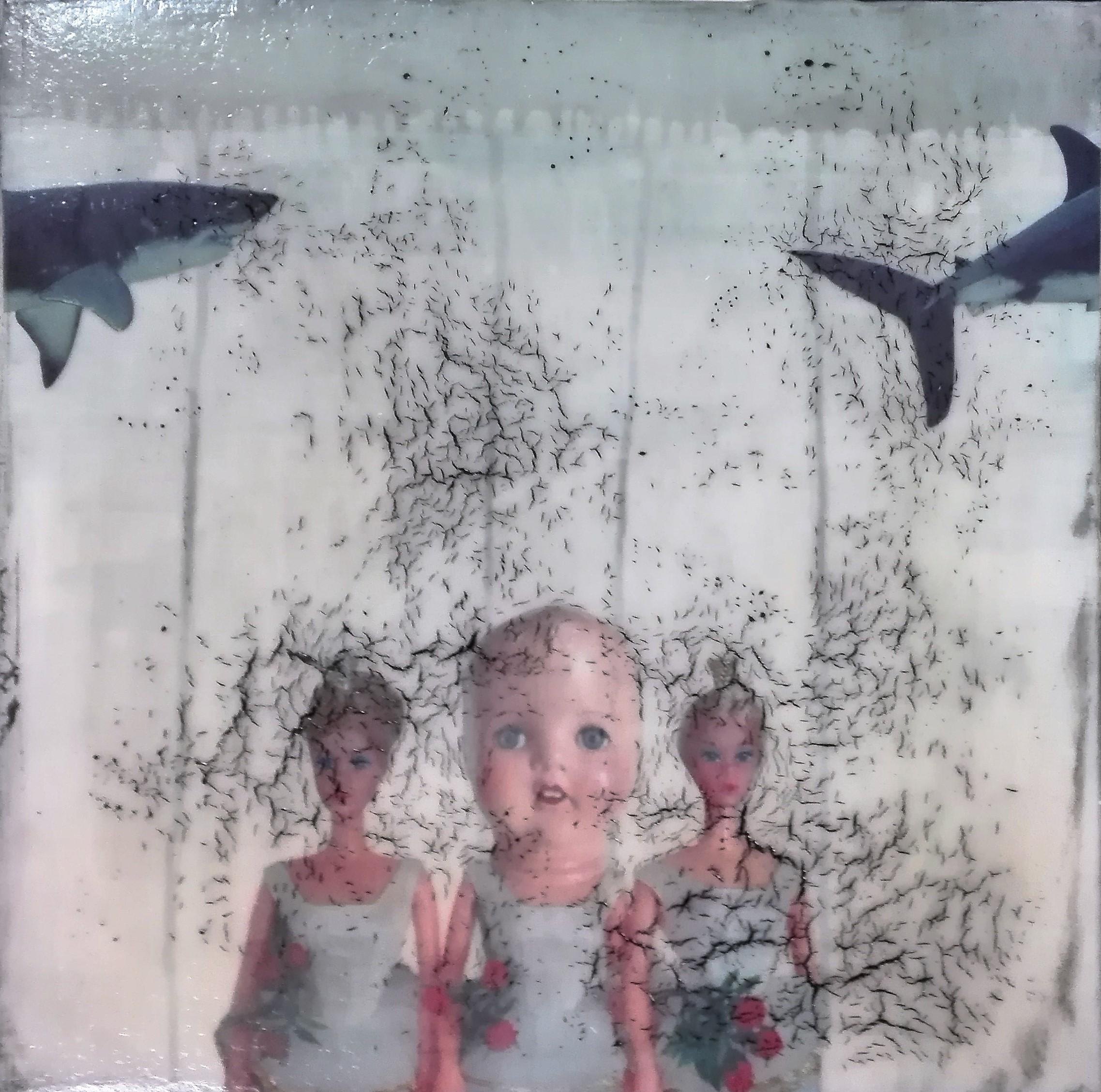 """the ocean does'nt want me"" - acryl, papier, kunstharz auf leinwand - 40 x 40 x 8 cm"