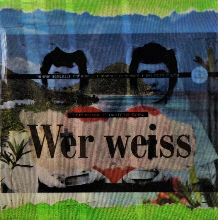 """""""o.t."""", 2010, gewebe, folie, acryl auf leinwand, 10 x 10 x 4 cm"""