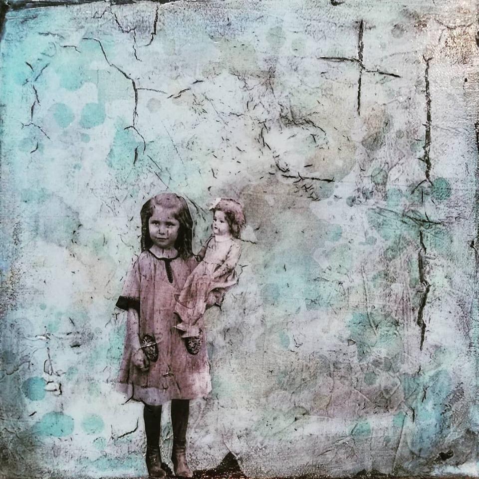 """""""fiction and an open heart 2"""", acryl, papier, kunstharz auf leinwand, 30 x 30 cm"""