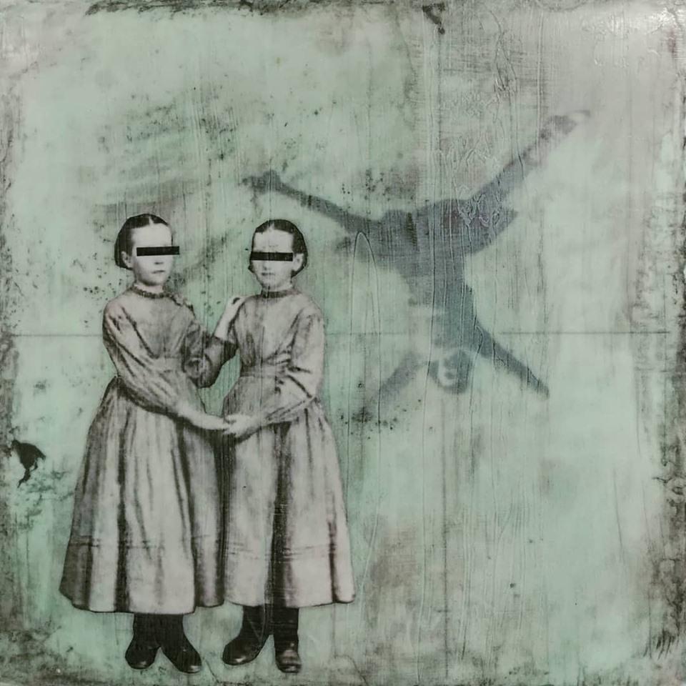 """""""fiction and an open heart 1"""", acryl, papier, kunstharz auf leinwand, 30 x 30 cm"""